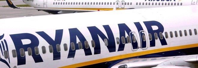 Ryanair lancia l'allarme: «Ritardi e cancellazioni voli, in Europa l'estate sarà un disastro»