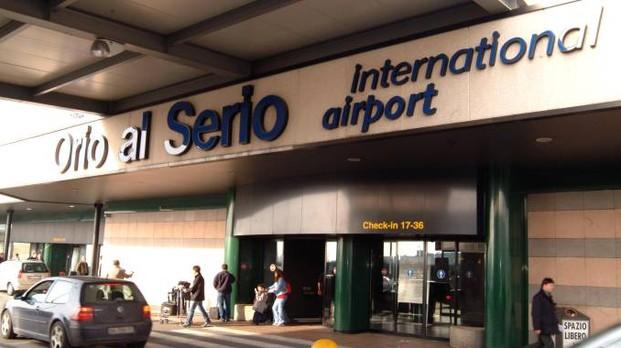 Orio, l'aereo ha una lampadina rotta: 2 giorni d'attesa e cancellazione per 140 passeggeri