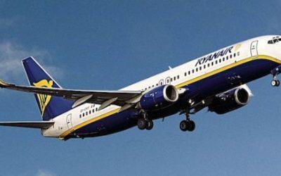 Rissa sul volo Ryanair, il comandante è costretto a dirottare l'aereo