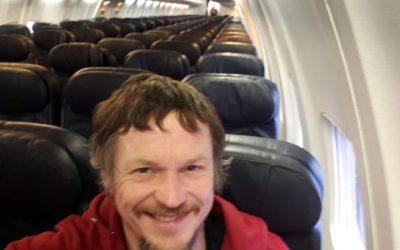 Dalla Lituania all'Italia è l'unico passeggero a bordo del Boeing