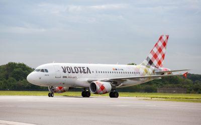 Ritardi sul volo Napoli-Palermo, passeggeri lasciati senza informazioni e assistenza