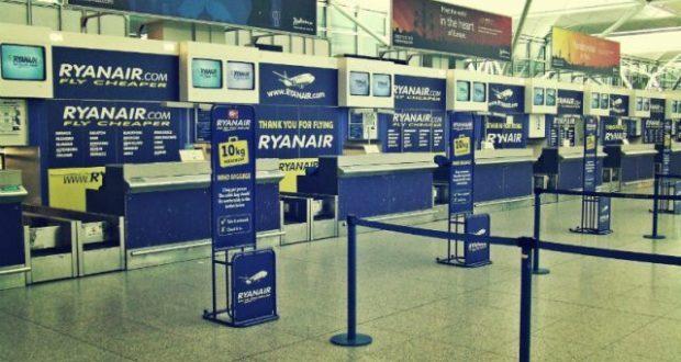 Ryanair, addio al bagaglio a mano gratis: ecco da quando e quanto si pagherà
