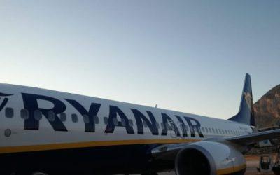 Aereo Ryanair fermo per un guasto: 6 ore di attesa per i 130 passeggeri del volo Palermo-Roma